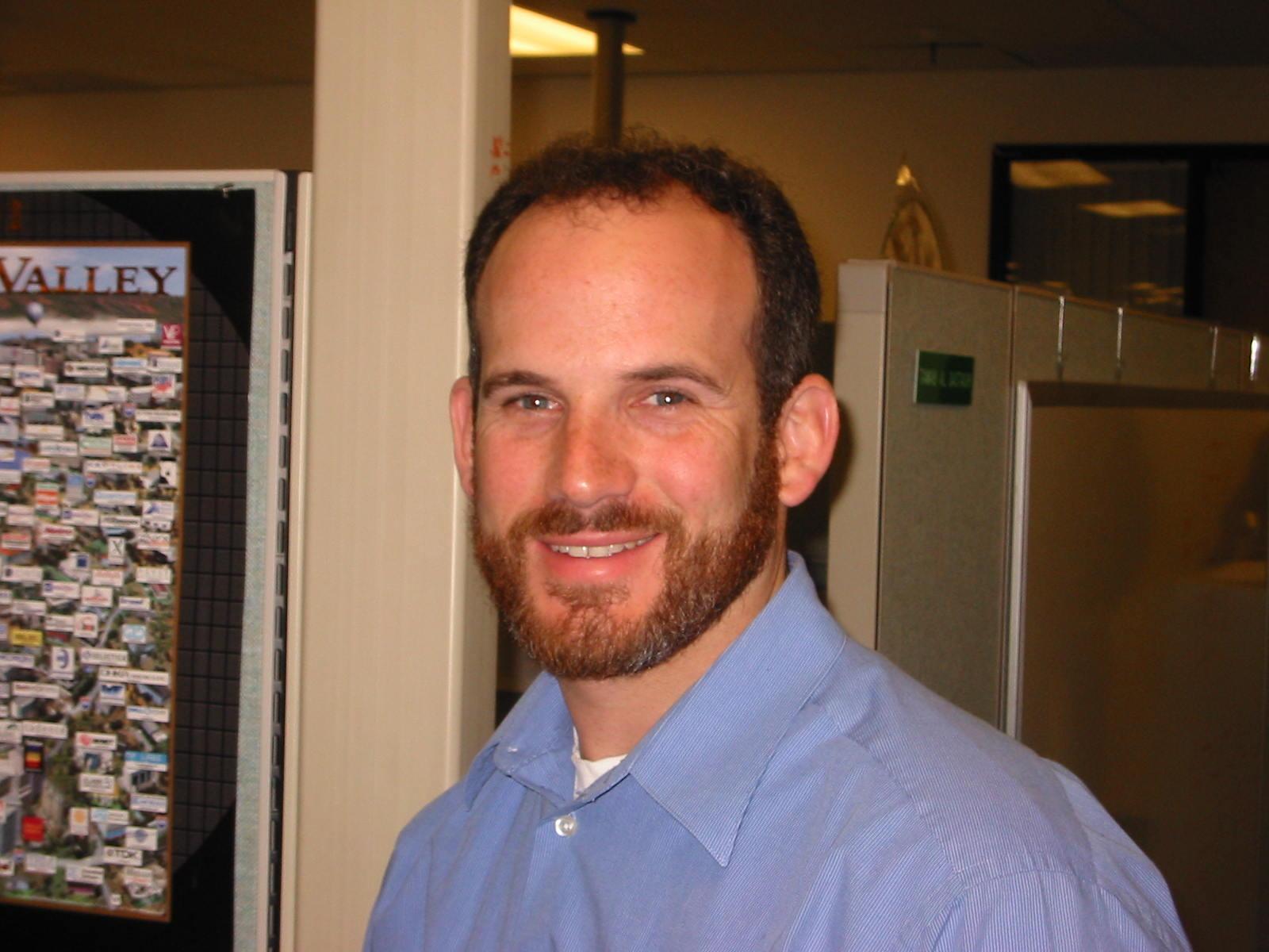 Google und Bing finden folgende Bilder zu Jonathan Alexander